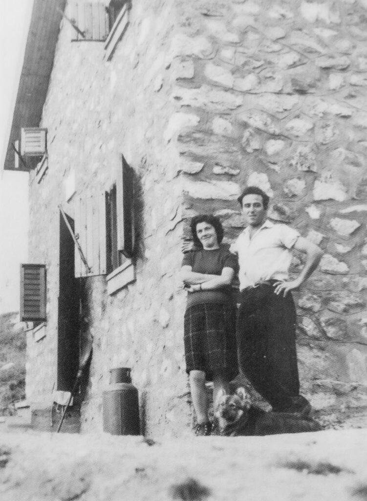 Con la moglie Nuccia al Rifugio Livio Bianco, 1964.